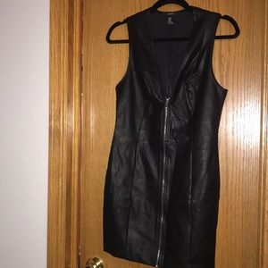 Forever 21 zip up pleather dress size M